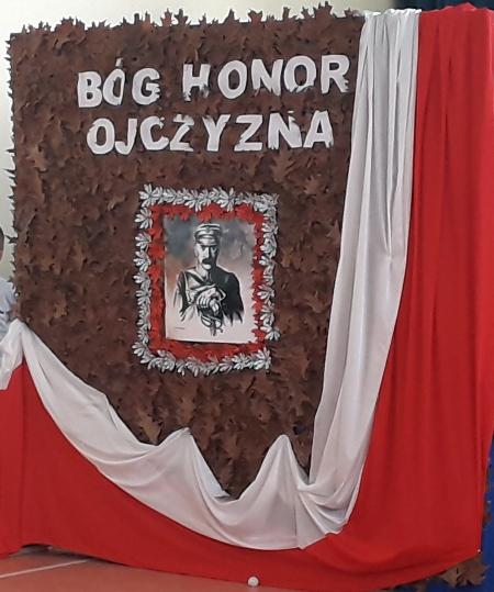 Apel z okazji 101 rocznicy odzyskania przez Polskę Niepodległości